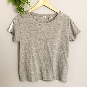 ✨3 for 20   Lace derailed Levi's T shirt